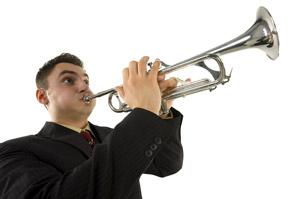 blow-own-trumpet